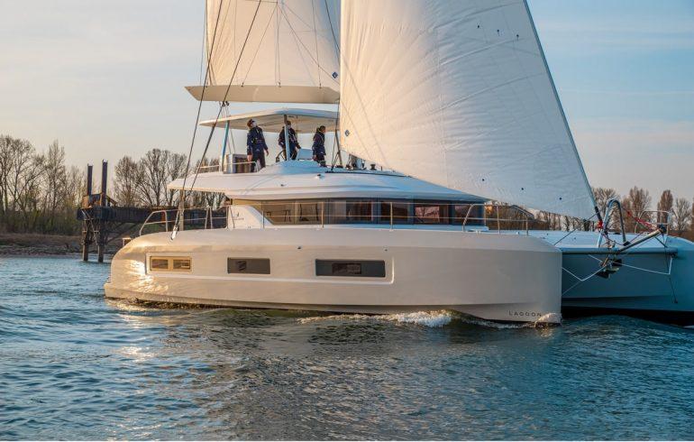 Lagoon 55 catamaran cruising