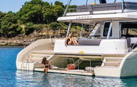 Aft decks with swimming platform on Lagoon 65